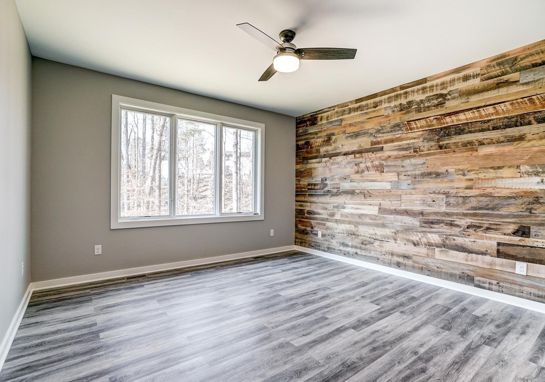 533-LH-Bedroom