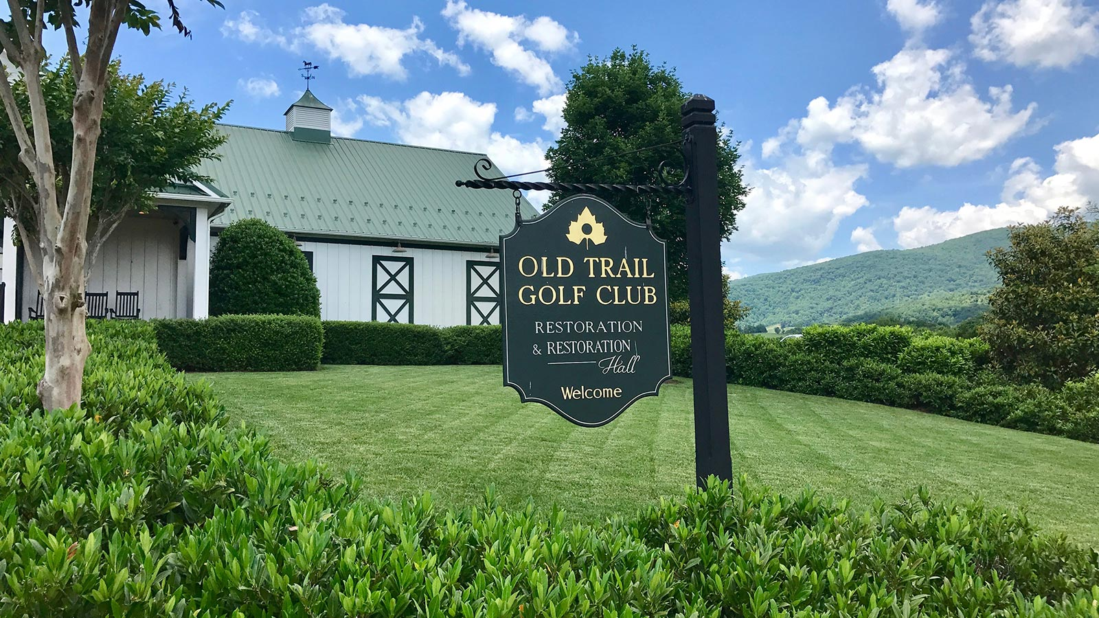 Old-Trail-Golf-CLub-Summer-2017-Sign